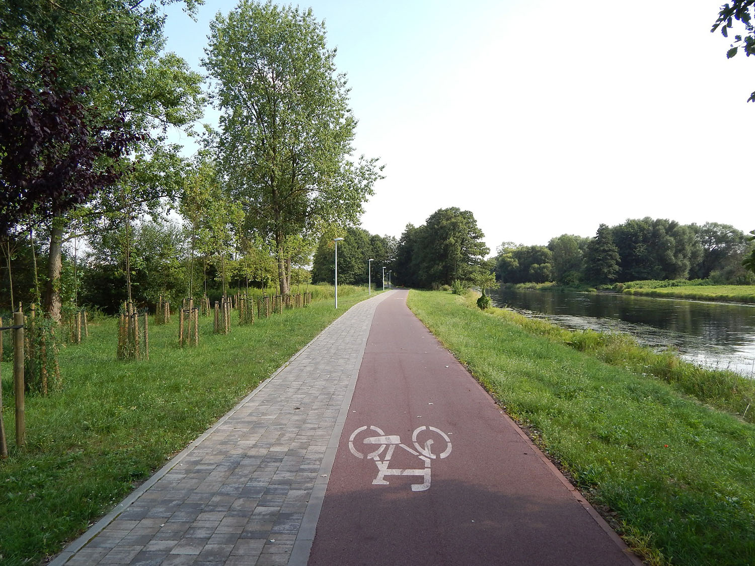 cycle-route-397723_1920